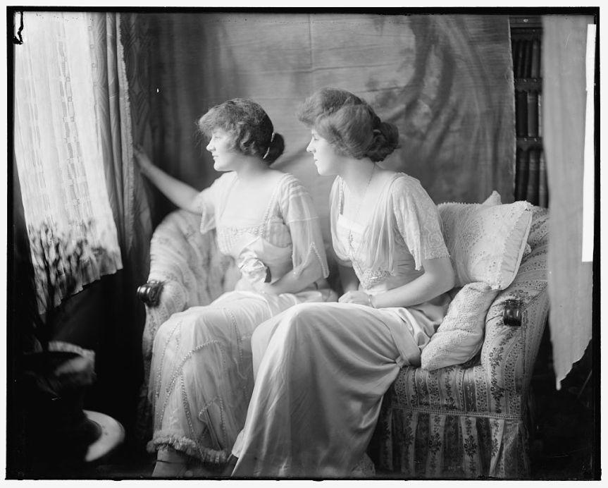 Vigilant Sisters (Harris and Ewing LOC).jpg