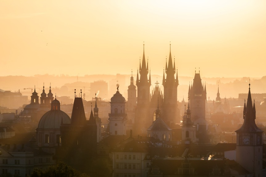 dawn-cityscape-by-d_poltoradnev-on-pixabay