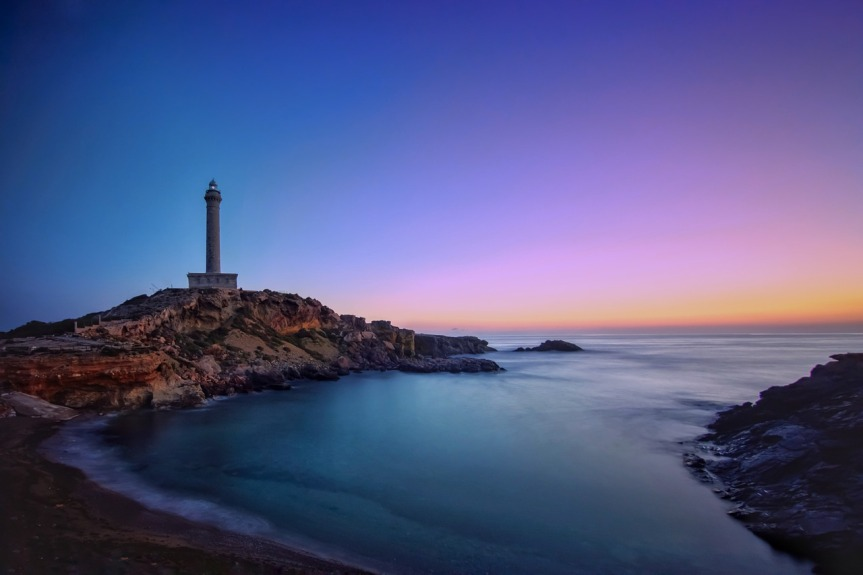 small-bay-lighthouse-by-leolo212-on-pixabay-