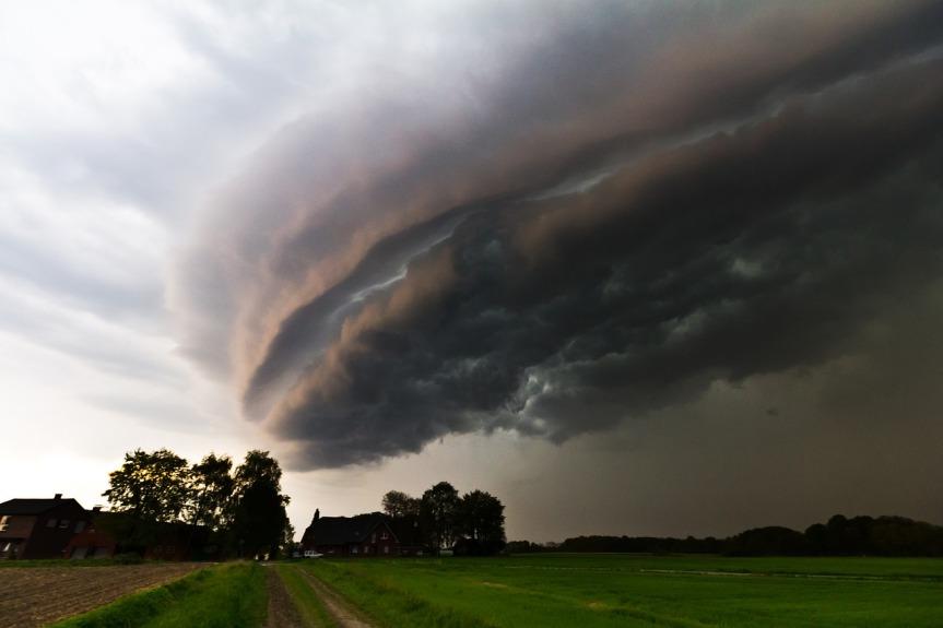 storm-cloud-by-dertobisturmjagd-on-pixabay