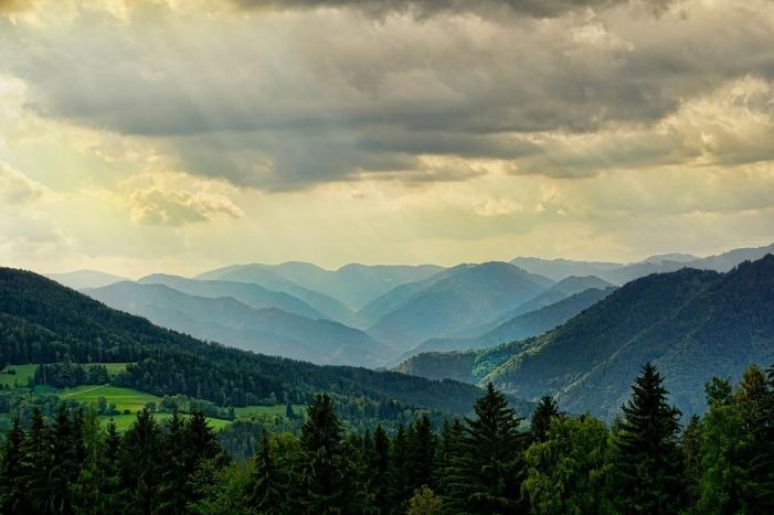 Beautiful Nature Vista by Schwoaze on Pixabay