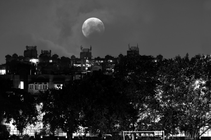 Full Moon NIght Town by SandeepHanda on Pixabay